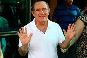 Renato Aragão volta a ser internado no Rio de Janeiro