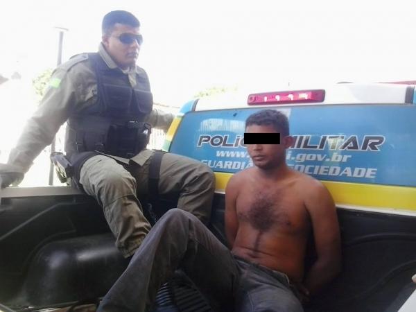 Policia Militar de São João do Piauí prende traficante com maconha e armas