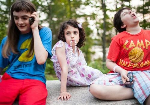 Fotógrafa registra acampamento de  meninos inconformados com gênero