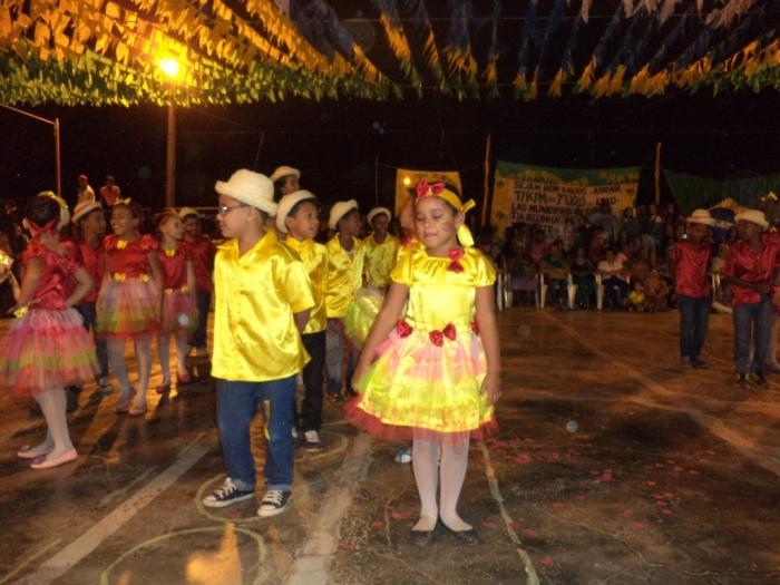 Prefeito realiza festival de  quadrilha municipal - Imagem 15