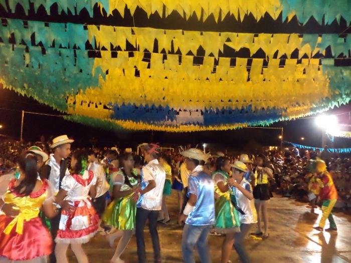 Prefeito realiza festival de  quadrilha municipal - Imagem 5