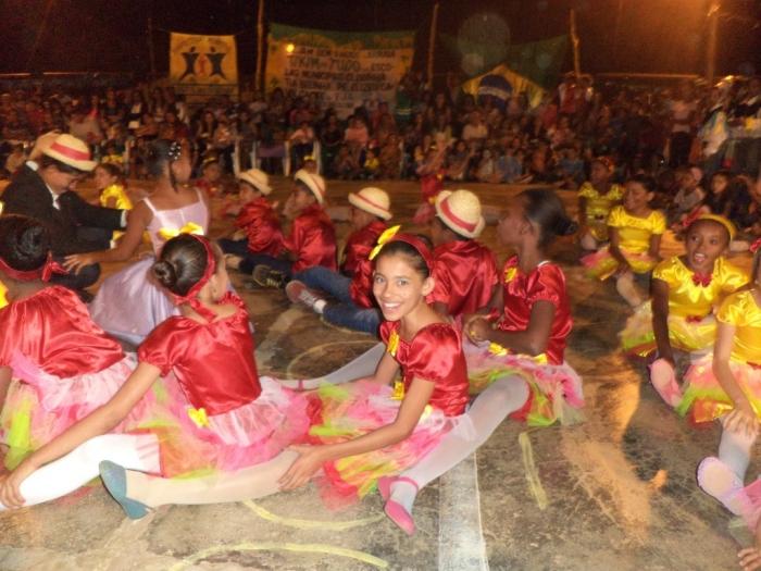 Prefeito realiza festival de  quadrilha municipal - Imagem 12