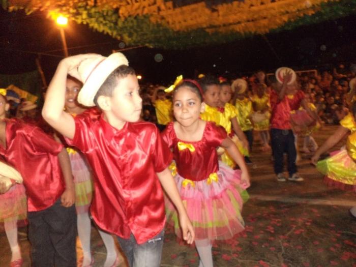 Prefeito realiza festival de  quadrilha municipal - Imagem 17
