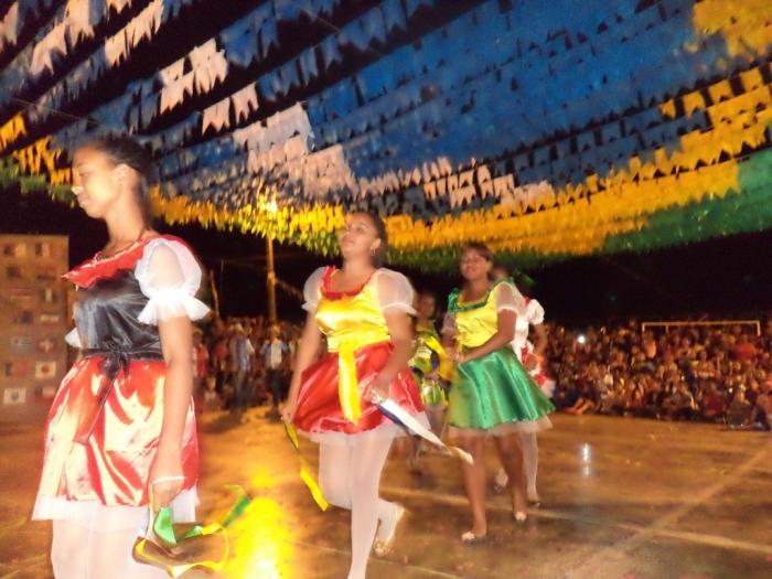 Prefeito realiza festival de  quadrilha municipal - Imagem 7