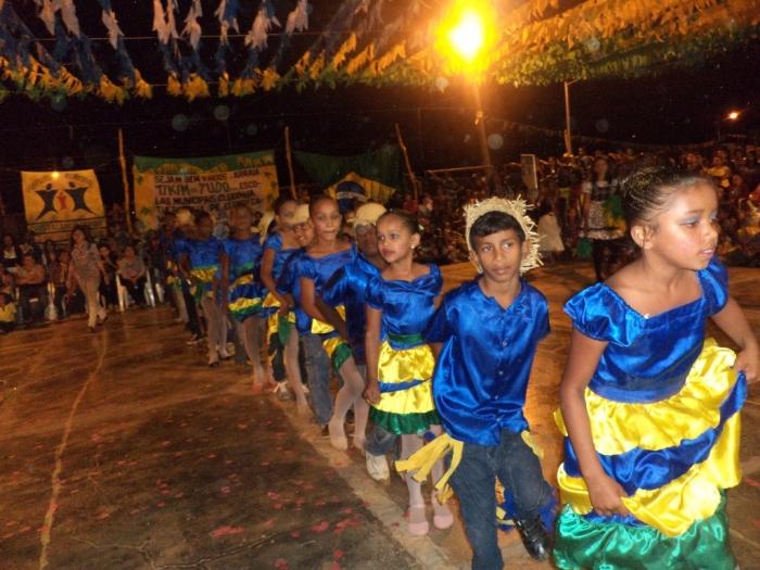 Prefeito realiza festival de  quadrilha municipal - Imagem 10