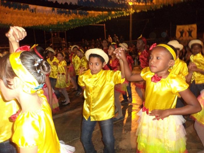 Prefeito realiza festival de  quadrilha municipal - Imagem 18
