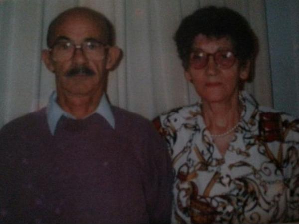 Homem de 92 anos tatua o nome da mulher morta após 65 anos de união