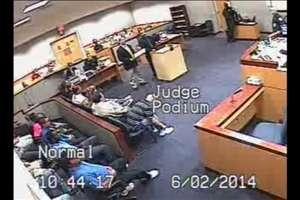 Juiz americano chama advogado para briga em Corte