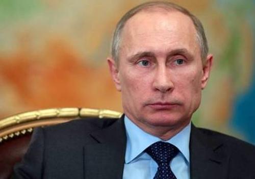Putin pede que EUA mostrem provas de presença militar russa na Ucrânia