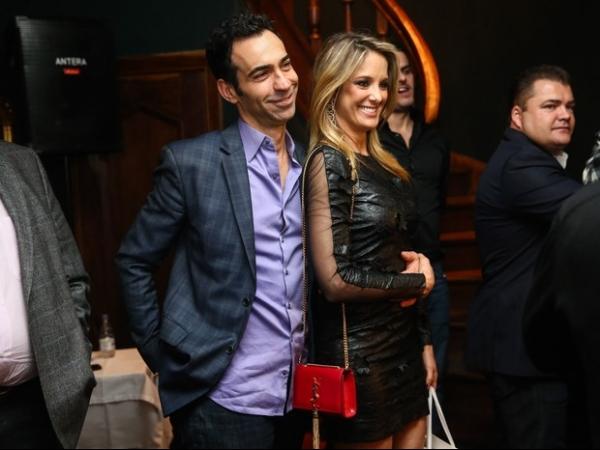 Festa em SP tem primeiro encontro de Justus com Tralli e Tici, sua ex