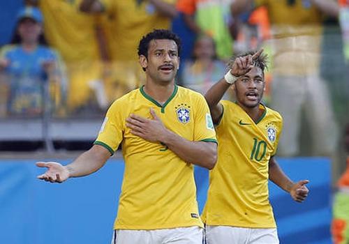 Fifa estuda punir Fred e atacante pode ficar fora das quartas