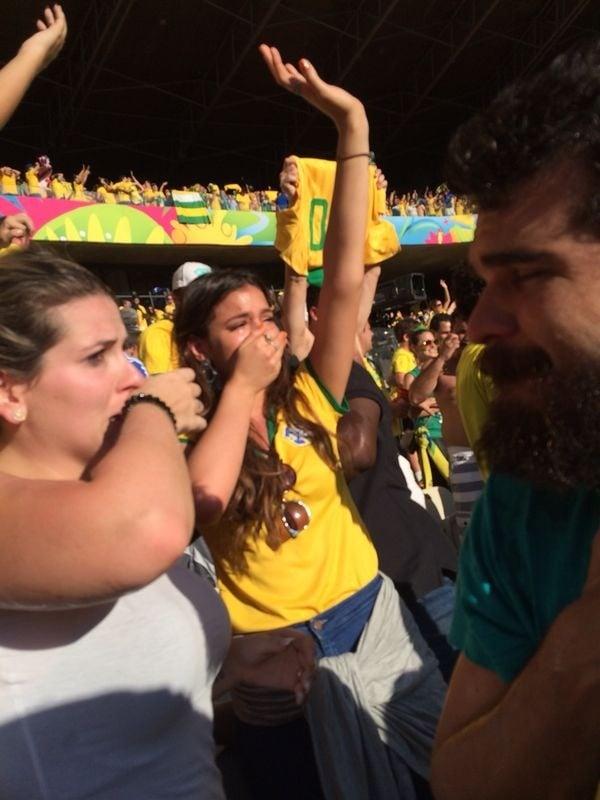Saiba quem é o torcedor que filmou Bruna Marquezine em jogo da Copa