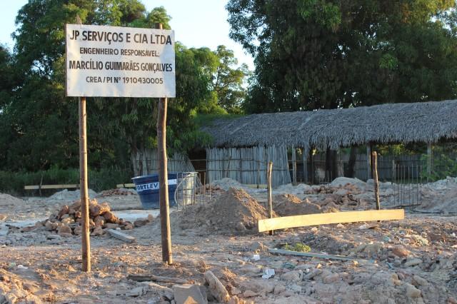 Obras de construção do ginásio poliesportivo em ritmo acelerado na zona rural de Miguel Alves