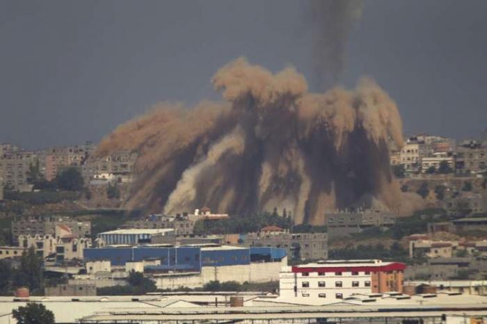 Israel prossegue com ofensiva e mata 8 em ataque aéreo