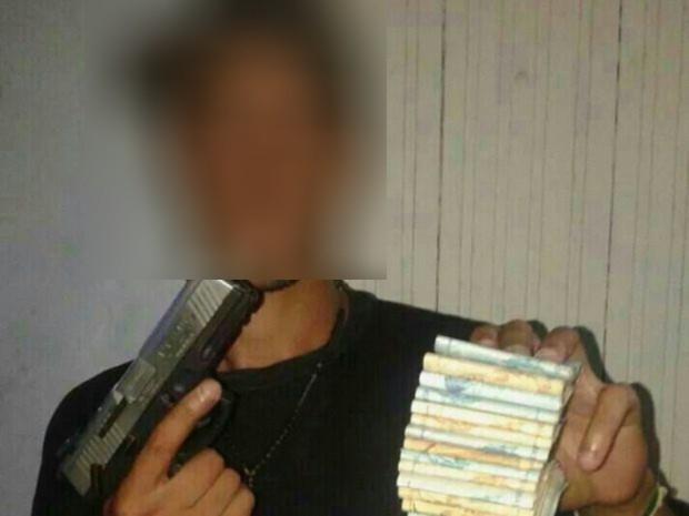 Suspeito perde celular durante fuga e polícia encontra fotos de