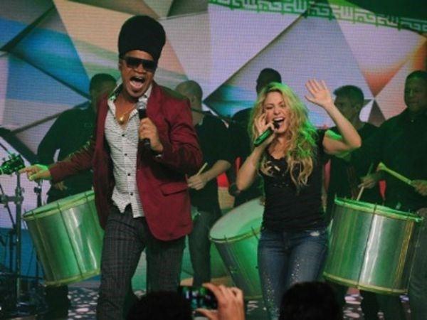 Antes de se apresentar na Copa, Shakira faz show para 擢ant疽tico