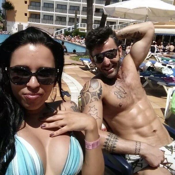 Ariadna faz topless e relaxa em Ibiza  la Luisa Marilac: