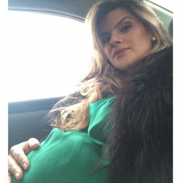 Mirella Santos mostra o barrigão na reta final da gravidez