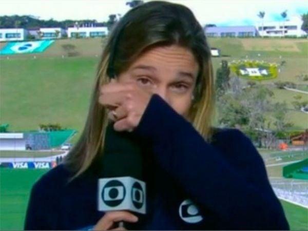 Na web, Fernanda Gentil rebate críticas sobre choro ao vivo na Globo