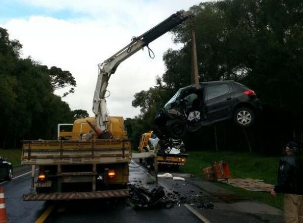 Quatro pessoas morrem em grave acidente na BR-116 em Itaiópolis