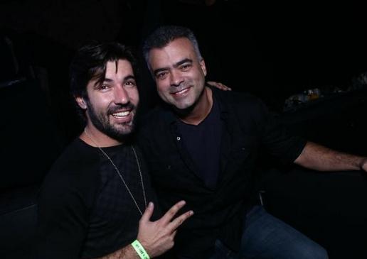 Solteiro novamente, Sandro Pedroso curte festa no Rio de Janeiro