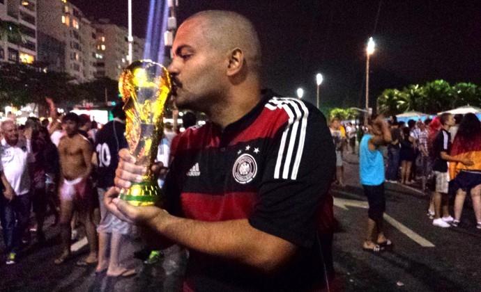 Rubro-negros comemoram título da Alemanha e fazem paródia argentina