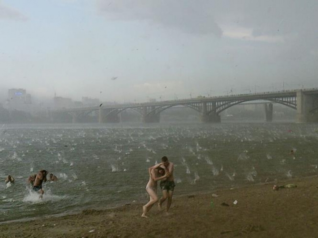 Chuva de granizo mata crianças na Rússia