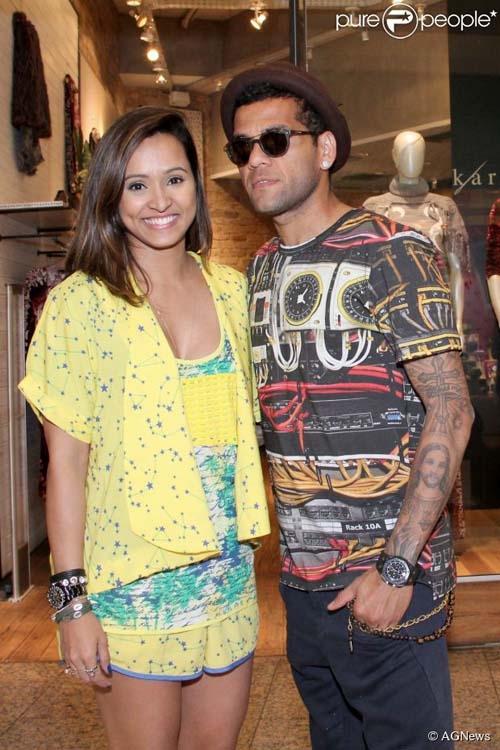 Thaíssa Carvalho comenta fim de namoro com Daniel Alves :