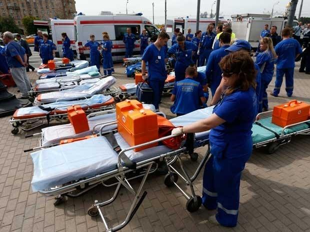 Trem descarrila no metrô de Moscou, deixa 12 mortos e mais de 100 feridos