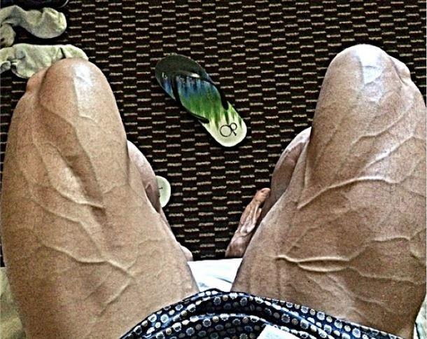 Felipe Franco se supera e mostra veias saltadas na perna