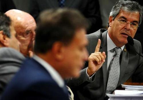 Senado pode convocar aprovados além das vagas previstas no último concurso