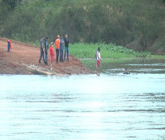 Bombeiros não encontraram o corpo do motorista e nem o caminhão que caiu no rio Parnaíba