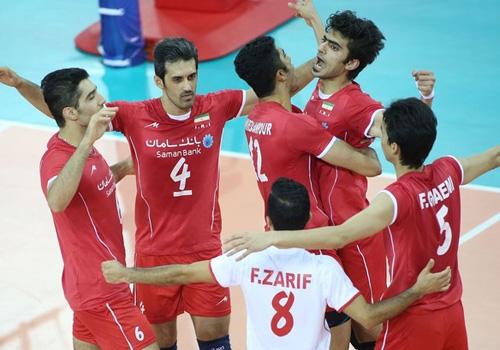 Brasil perde do Irã, elimina a Rússia, mas avança em 2º lugar à semi da Liga