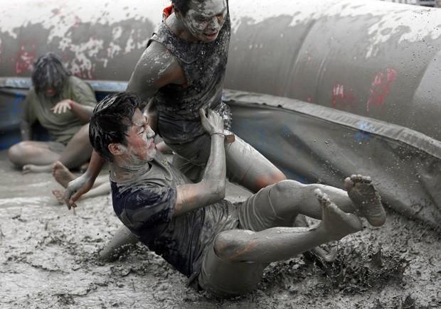 Festival de lama atrai mais de 2 milhões de turistas na Coreia do Sul
