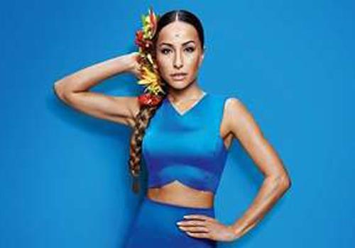 Sabrina Sato estrela campanha de tran軋 e barriga  mostra