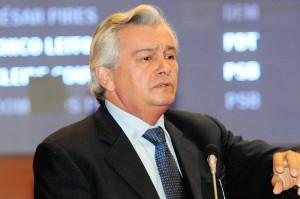 Arnaldo Melo anuncia sua candidatura a vice-governador