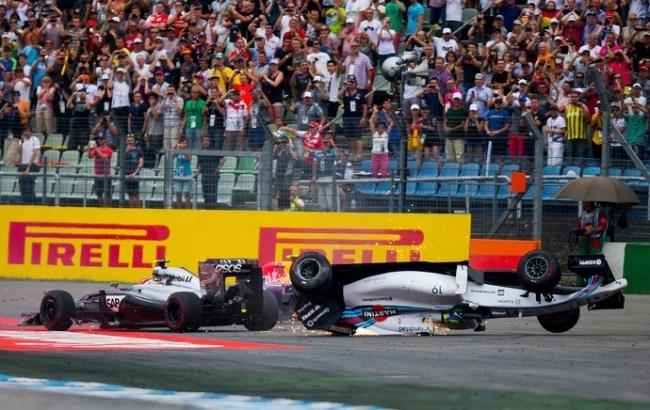 Massa culpa Magnussen por acidente: