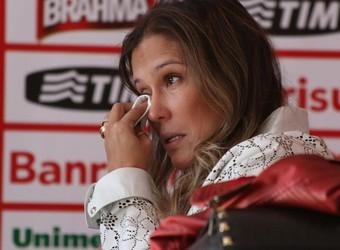 Mulher de Fernandão se surpreende com apoio colorado: