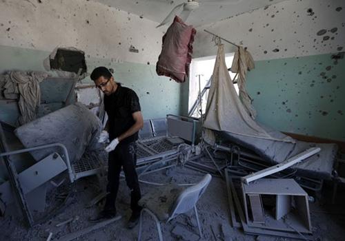 Após ONU pedir trégua, Israel ataca hospital em Gaza e deixa 4 mortos