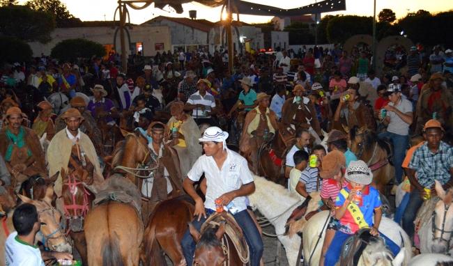 Prefeitura realiza 32ª Festa dos Vaqueiros e distribui prêmios aos participantes - Imagem 58