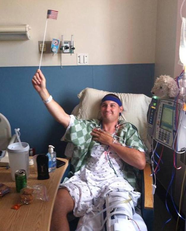 A forma como este homem encarou a necessidade de amputar a perna é uma verdadeira lição de vida