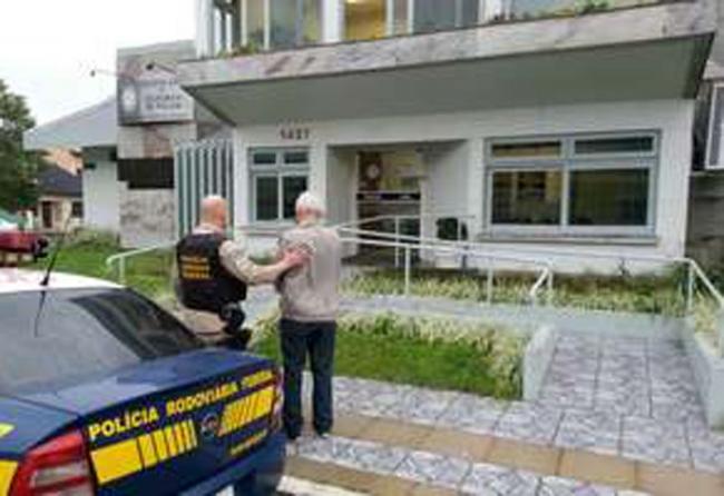 Juiz aposentado é preso por suspeita de matar mulher
