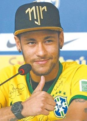 Máfia dos ingressos deu bonés de presente para o craque Neymar