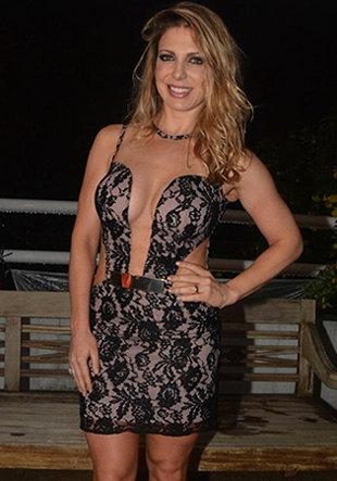 Marido proíbe Sheila Mello de posar nua para a edição de aniversário da Playboy