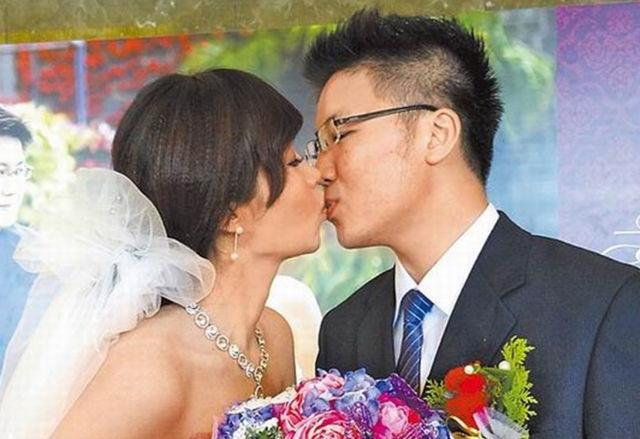 É o destino? Casal com mesmo nome, idade e nascidos na mesma rua se casam