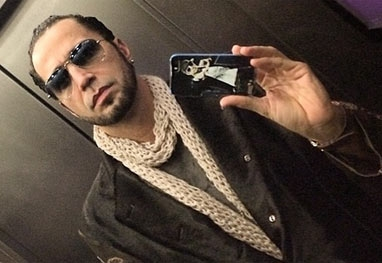 Magoado, Latino alfineta Kelly Key ap declara鋏es pol麥icas