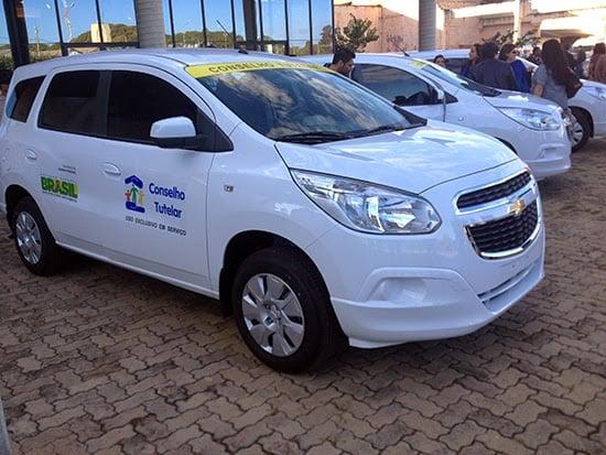 Conselho Tutelar de Fronteiras recebe veículo Chevrolet Spin
