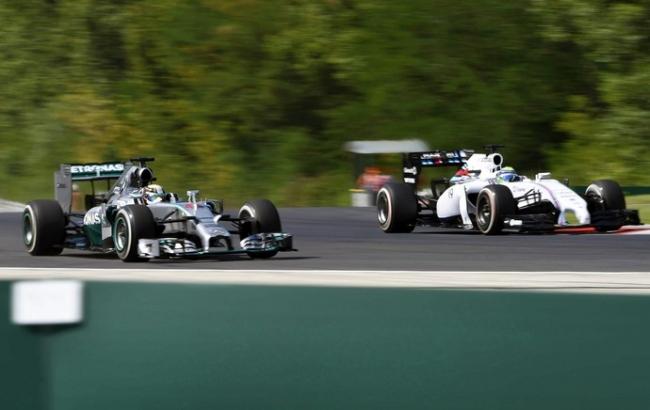 Hamilton repete a dose no segundo treino  livre na Hungria, e Felipe Massa fecha top 10