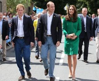 Kate e William organizam jantar de anivers疵io de Harry, diz site