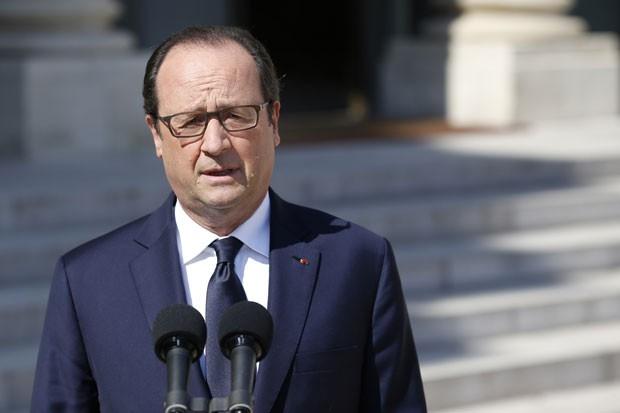 N縊 h sobreviventes, diz presidente franc黌 sobre avi縊 que caiu no Mali